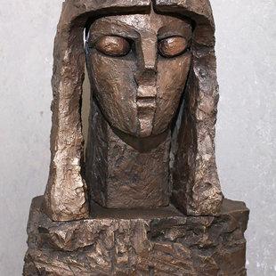 """Tālivaldis Gaumigs (1930-2016)  """"Gunta"""", 1988. Bronza, 45x65x35 cm. LMS muzejs"""